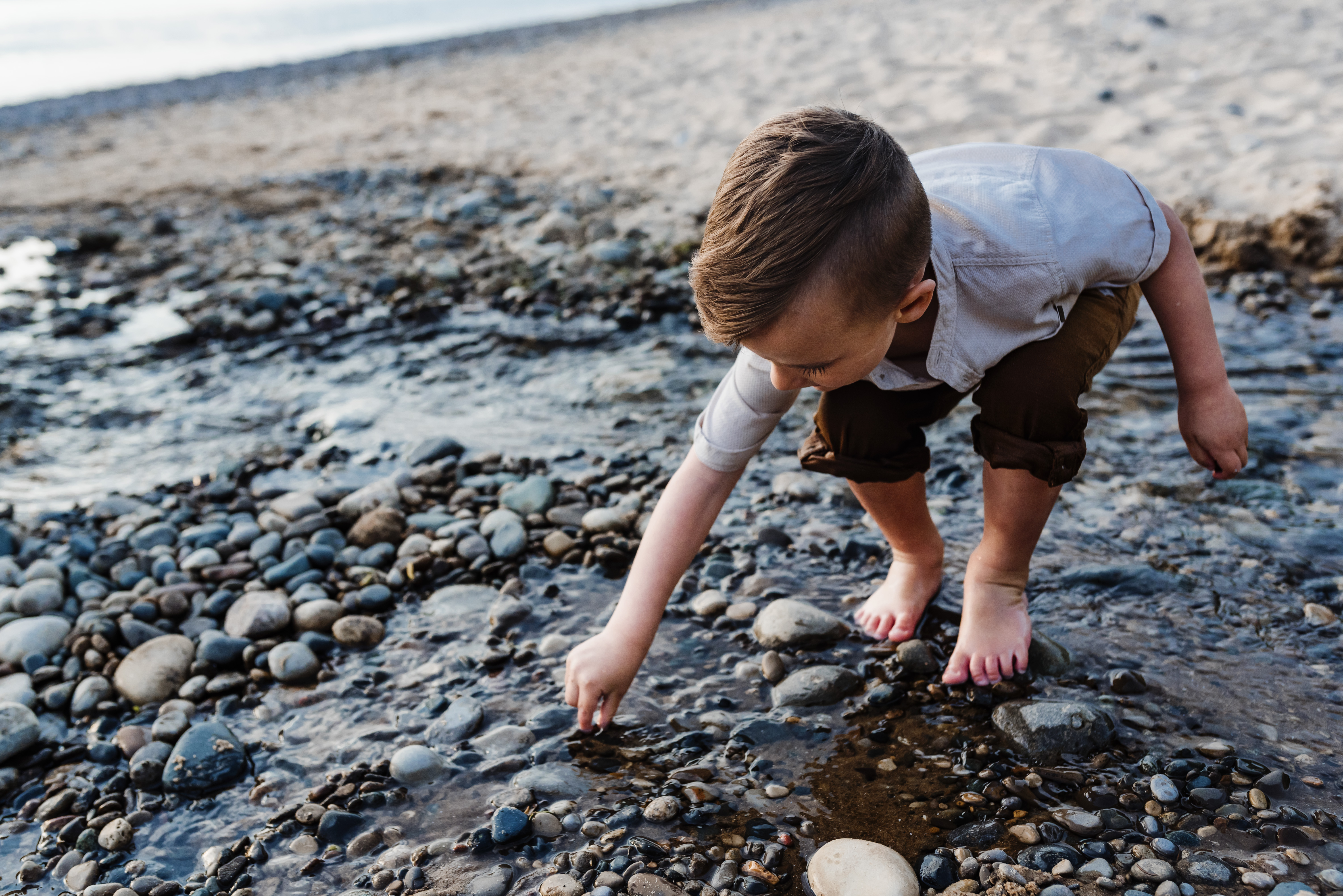 grand rapids family photographer beach storytelling shoot
