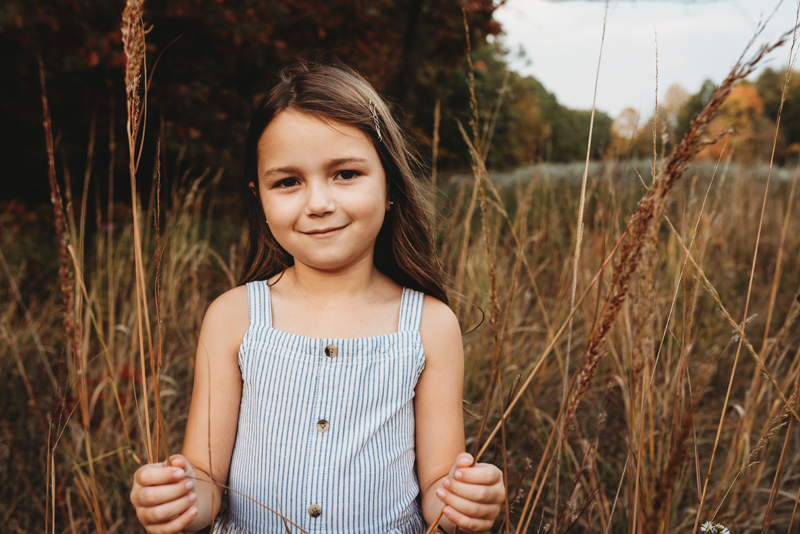 daughter outdoor family photographer in grand rapids michigan