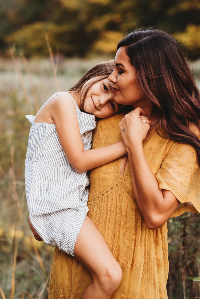 mom and daughter outdoor grand rapids family photographer