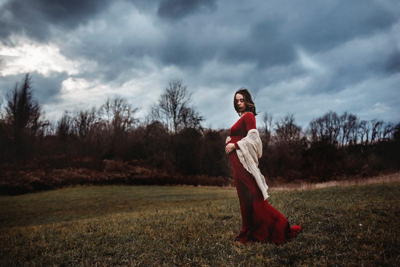 outdoor maternity photographer grand rapids michigan