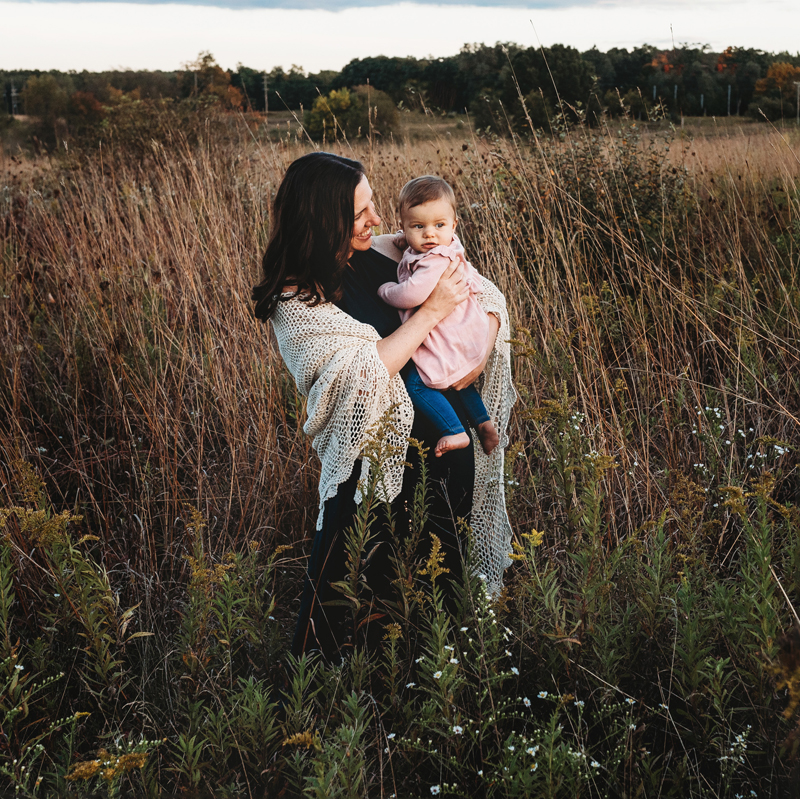 grand rapids michigan family photographer mom and daughter