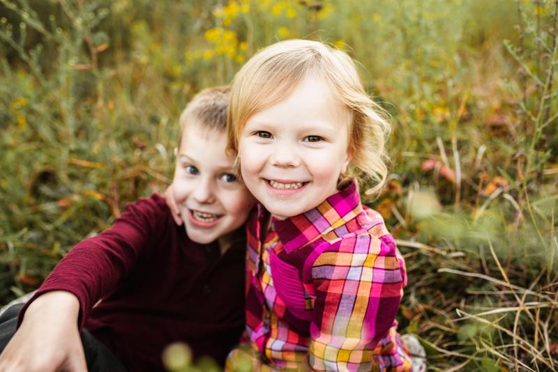 siblings outdoor grand rapids michigan family photographer