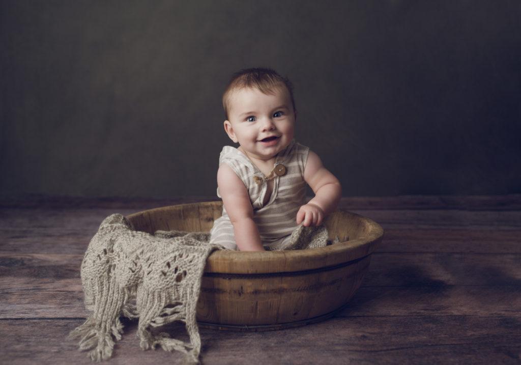 Newborn Photographer, Little baby in brown basket